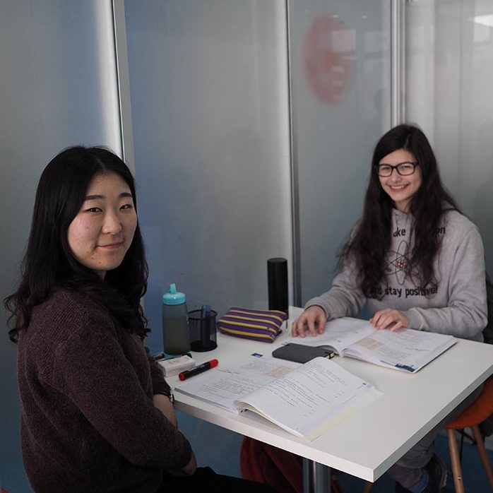 Anthea learning Chinese at LTL