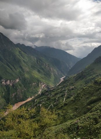 Beautiful scenery throughout the Tiger Leaping Gorge 2 day trek
