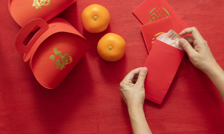 Avoid giving out red packets in odd numbers - Chinese New Year Superstition