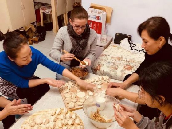 Making Jiaozi in Chengde